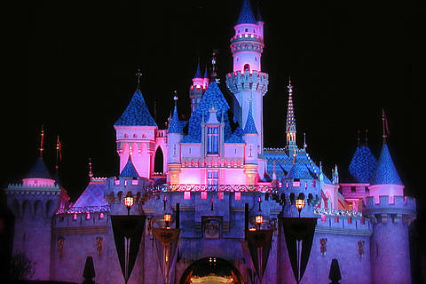 Sleeping Beauty Castle Disneyland - By .FA Jon at en.wikipedia [Public domain], from Wikimedia Commons
